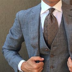 Three piece suits are what I live for!! Something about a waistcoat just feels regal!!
