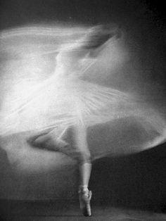 ballerina, ballet, motion, black and white, photography