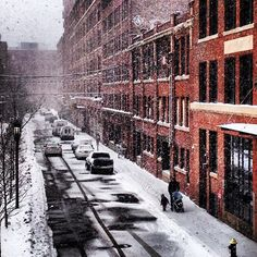 A snowy Channel Center Street today--stay warm! #fortpoint #Boston