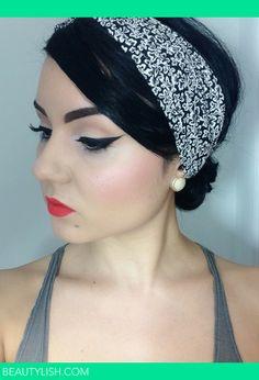 Pin-up-Look mit Lime Crimes Suedeberry Velvetine. Source by charlemagnepremium 50s Makeup, Pin Up Makeup, Vintage Makeup, Girls Makeup, Makeup Geek, Beauty Makeup, Makeup Looks, Hair Makeup, Hair Beauty