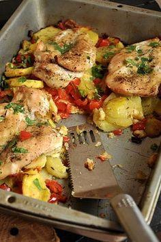pierś kurczaka zapiekana Good Food, Yummy Food, Cooking Recipes, Healthy Recipes, Tasty Dishes, Food Inspiration, Chicken Recipes, Food And Drink, Healthy Eating