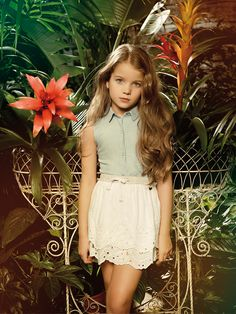 Romantic allure and blooming atmosphere on ALALOSHA featuring a FRACOMINA MINI adorable dresses. When you look at it you feel calmness and peacefulness! Cute Dresses, Flower Girl Dresses, Summer Campaign, Child Models, Ss 15, Spring Summer 2015, Little People, Denim Shirt, Personal Style