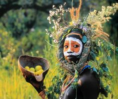 The Surma and Mursi people of Ethiopia use their bodies as a canvas for plant dye body paint, leaves and flowers....