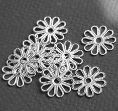 20 pcs of Antiqued silver plated filigree flower links image 2 Crochet Flower Patterns, Tatting Patterns, Flower Applique, Crochet Motif, Crochet Doilies, Crochet Flowers, Crochet Leaves, Crochet Tablecloth, Irish Lace