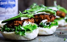 Made primarily with lentils, brown rice, and sunflower seeds, these patties are protein and fiber dense. Lentil Burgers, Vegan Burgers, Falafel Burgers, Lentil Recipes, Spicy Recipes, Burger Recipes, Vegetarian Day, Vegetarian Recipes, Lentil Patty