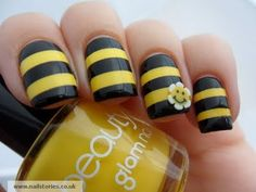 Bumble bee manicure