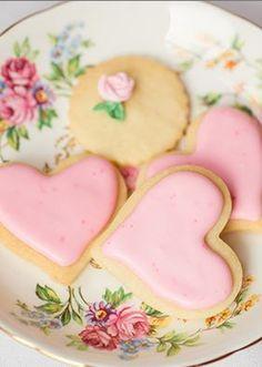 Heart Cookies, Cupcake Cookies, Pink Cookies, Cupcakes, Valentine Treats, Valentines, Saint Valentine, Tea Party Theme, Afternoon Tea Parties