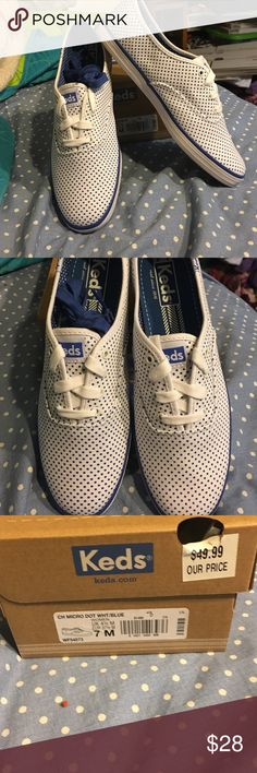 HP 11-11-16💥NIB Keds NWT Keds white with blue polka dots. Very cute and comfortable. Comes with white laces and an extra blue pair. Size 7. Keds Shoes Sneakers