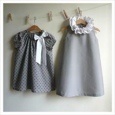 Robe du dimanche / love the grey dress with white collar! Baby Girl Fashion, Toddler Fashion, Kids Fashion, Little Girl Dresses, Girls Dresses, Grey Knit Dress, Mode Rose, Minimalist Kids, Baby Sewing
