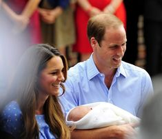 Kate Middleton - The Royal Baby Leaves the Hospital — Part 4