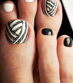 Your Fingernails Aren't the Only Place for Nail Art—Try These Fun Toe Designs Pretty Toe Nails, Cute Toe Nails, Toe Nail Art, Gel Nails, Nail Polish, Black Toe Nails, Black Nail, White Nails, Black White
