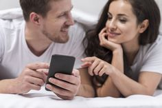 The ultimate list of fun game apps for couples on phone. These free love app games are good apps for married couples and long distance couples. Online Games For Couples, Apps For Couples, Couple Games, Free Word Games, Fun Games, Math Logic Games, Japanese Math, Trainer Games, Jennifer Lewis
