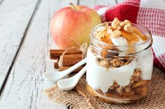 This kid-friendly snack or dessert is a healthful swap for sugar-filled apple crisp! Quick Healthy Breakfast, Sweet Breakfast, Other Recipes, Sweet Recipes, Granola, Fruit And Yogurt Parfait, Pumpkin Smoothie, Parfait Recipes, Coconut Oil