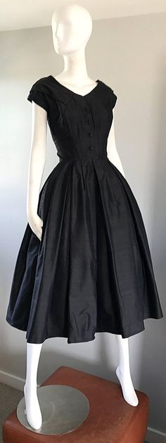 Rare Christian Dior Haute Couture New Look Vintage Black Silk Dress - Dior Dress - Ideas of Dior Dress - Rare Christian Dior Haute Couture ' New Look ' Vintage Black Silk Dress Robes Vintage, Vintage Dior, Vintage Dresses 50s, Look Vintage, Vintage Outfits, Vintage Black, Vintage Hats, 1950s Fashion, Vintage Fashion