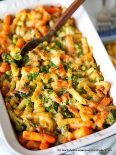 Macaroni casserole with chicken and vegetables - przepisy - Makaron Best Appetizer Recipes, Pasta Recipes, Great Recipes, Dinner Recipes, Cooking Recipes, Favorite Recipes, Macaroni Casserole, Chicken Casserole, Vegan Gains