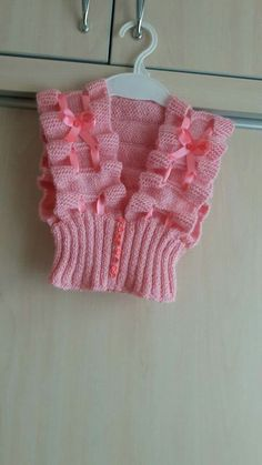 9 Tips for knitting – By Zazok Baby Girl Patterns, Baby Knitting Patterns, Crochet Patterns, Baby Girl Vest, Baby Dress, Crochet Baby Sweaters, Crochet Clothes, Lace Knitting, Knitting Stitches