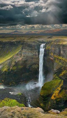 Waterfall,+Iceland.jpg (553×971)