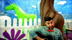 Don Baxter - Cai verzi pe pereti [Official video HD] Smiley, Dinosaur Stuffed Animal, Film, Animals, Romania, Video Clip, Movie, Animales, Film Stock