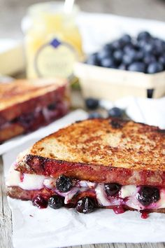 Blueberry, Brie and Lemon Curd Grilled Cheese Recipe on twopeasandtheirpo. Love this sweet grilled cheese! Maria (Two Peas and Their Pod) Grill Cheese Sandwich Recipes, Grilled Cheese Recipes, Burger Recipes, Brie Grilled Cheeses, Brunch Recipes, Breakfast Recipes, Wrap Sandwiches, Steak Sandwiches, Breakfast Sandwiches