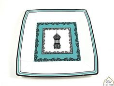 These Islamic lantern dinner plates are perfect for any Islamic occasion. Can be used as Ramadan plates and will create a vibrant table setting when paired with matching Ramadan dessert plates and napkins. Perfect for Ramadan, Eid or any social occasion! Ramadan Desserts, Ramadan Decorations, Eid Banner, Islamic Celebrations, Eid Party, Lantern Designs, Dinner Plates, Dessert Plates, Party Tableware
