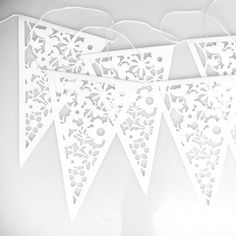 Paper Bunting White Lace | DotComGiftShop