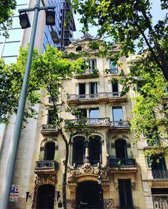 El Palauet looking pretty gorgeous #elpalauetlivingbarcelona #boutiquehotel #luxurytravel #architecture #modernismecatala #Barcelona