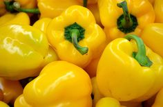 Google Image Result for http://www.publicdomainpictures.net/pictures/20000/nahled/yellow-pepper.jpg