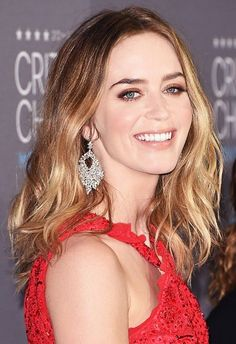 Emily Blunt's softly tousled hair, shimmery eye shadow, and nude lip color are so stunning