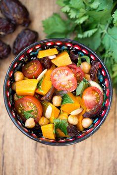 Salade de patates douces, dattes et vinaigrette lime-coriandre