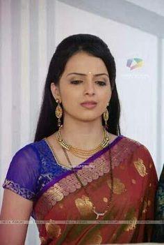 Indian Actress Images, Beautiful Indian Actress, Beautiful Actresses, Indian Actresses, Cute Beauty, Beauty Full Girl, Beautiful Girl Image, Beautiful Bride, Bengali Bridal Makeup