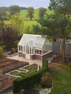 Customer Greenhouses by Hartley Botanic