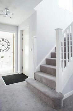 Good Photo light Gray Carpet Tips Selecting the most appropriate carpet color c … – carpet stairs Grey Walls And Carpet, Beige Carpet Bedroom, Grey Stair Carpet, Grey Carpet Hallway, Grey Carpet Living Room, Grey Hallway, White Carpet, Hall Carpet, White Staircase