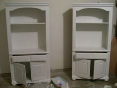 How to paint both laminate and real wood furniture while omitting the sanding step. I'll want this later.