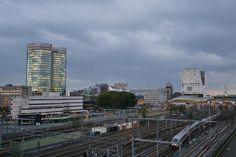 #Utrecht centraal station en #Verrekijker in de schemer. @CU2030