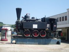 pictures of steam locomotive trains | Description Maribor train station-steam locomotive JZ 151-001-left ...
