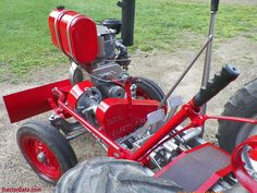 Gibson D tractor photos Lawn Equipment, Heavy Equipment, Outdoor Power Equipment, Small Tractors, Lawn Tractors, Lawn And Garden, Garden Tools, Wheel Horse Tractor, Atv Plow