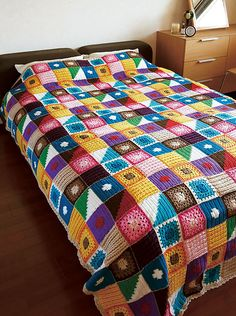Kukka Bedspread, free pattern chart by Pierrot (Gosyo Co., Ltd). Love the textures & fresh use of colors. Direct link to Japenese pattern pdf