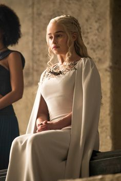 Game Of Thrones Hair Styles – Hair Care Tips Emilia Clarke Hot, Emelia Clarke, Emilia Clarke Daenerys Targaryen, Game Of Throne Daenerys, Queen Of Dragons, Mother Of Dragons, Narnia, Game Of Thornes, Game Of Thrones Tv