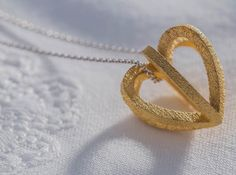 Herzchen by on Shapeways. Learn more before you buy, or discover other cool products in Pendants and Necklaces. Follow Your Heart, My Heart, 3d Prints, Schmuck Design, Lost & Found, Jewelery, Pendants, Bracelets, Gold