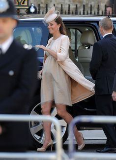 Catherine, Duchess of Cambridge Arrives at the 60th Anniversary Coronation Service. Lovely in a Jenny Packham dress and jacket.