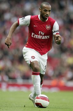 Best Arsenal players ever, the top 50 - Telegraph Neymar Football, Arsenal Football, Football Team, Arsenal Players, Arsenal Fc, Steven Gerrard, Premier League, Thierry Henry Arsenal, Arsenal Wallpapers