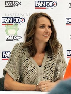 @aspromavrogati/AA on Twitter Nun Outfit, Amy Acker, Person Of Interest, Buffy, Cool Girl, Actresses, Beautiful Women, Angel