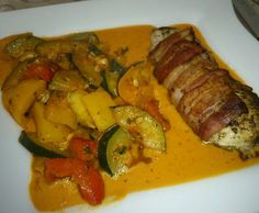 Rezept Baconhähnchenbrustfilet mit mediterranem Gemüse von Honibee - Rezept der Kategorie Hauptgerichte mit Fleisch