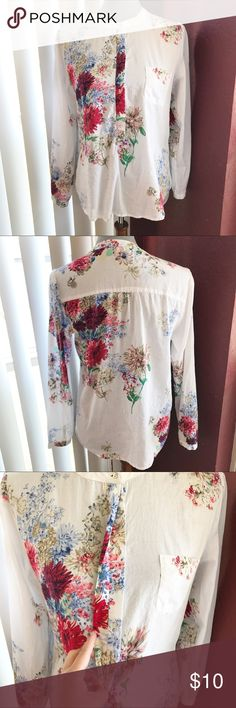 📍Floral Long Sleeve Top Used. Good condition.  *** Items marked with 📍 --- are 2 for $10! Make an offer for $10 and I will accept. Happy Poshing! Tops Blouses