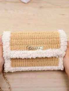 Diy Crochet Bag, Crochet Bag Tutorials, Crochet Projects, Diy Handbag, Diy Purse, Sacs Tote Bags, Diy Bags Purses, Hand Embroidery Videos, Diy Crafts For Gifts