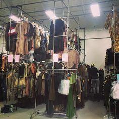 entrepôt des costumes pour les seconds rôles.