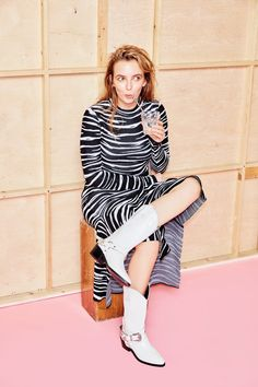 Comer for Stylist Magazine, Autumn/Winter 2018 -Jodie Comer for Stylist Magazine, Autumn/Winter 2018 - Jodie Comer on Killing Eve, Lily Allen and keeping calm Leopard Print Outfits, Lily Allen, Jodie Comer, Vogue, Celebs, Celebrities, Girl Crushes, Knit Dress, Beautiful People