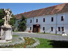 Kutyás helyek - Óbudai Múzeum, Budapest