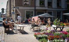 Helsinki in one day - a beautiful summer terrace at Fredrikinkatu, Helsinki