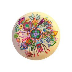 mandalas coloridas em pratos 3